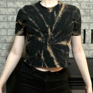 Tops - 🍓3 for $20🍓Bleach-dyed Black Crewneck Crop top